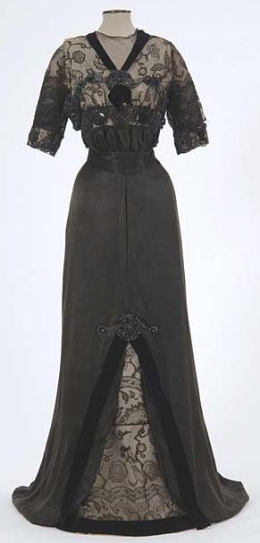 1909-1913 dress via The Minnesota Historical Society.