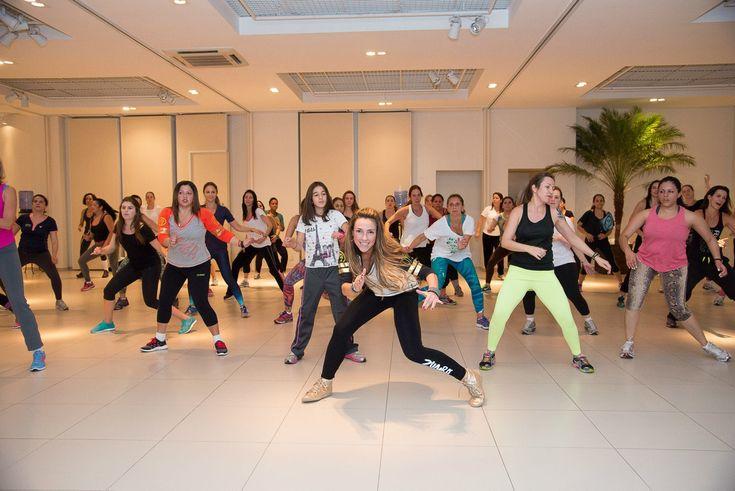 Aprenda a dançar como suas divas pop com a Clipe Dance! É divertida, ideal para mandar a preguiça embora e ainda queimar algumas calorias!