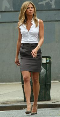 Jennifer Aniston Style. Gosh she is just too perfect Work Outfit