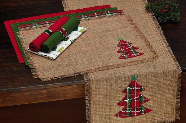 Decoración navideña de arpillera por menos de $ 25