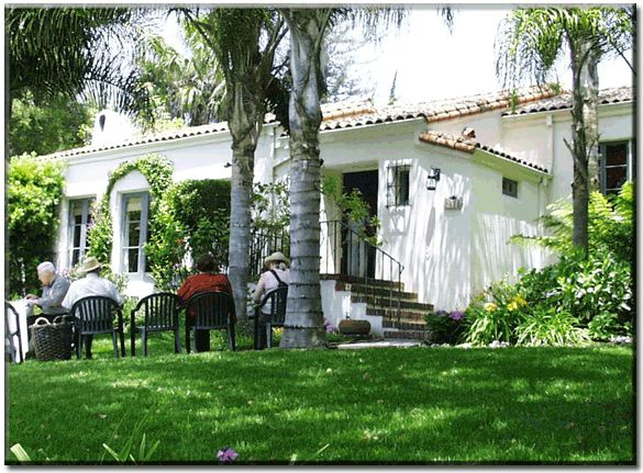 Santa barbara style homes this gracious one story home for Santa barbara style house