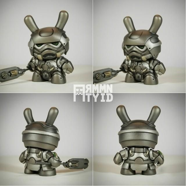 Coming in 4 min in our online store.  #Samurai #Stormtrooper #Steampunk #mashup #ArtToy ... http://ift.tt/1kXqb8y pic.twitter.com/3MzxHoAPNH