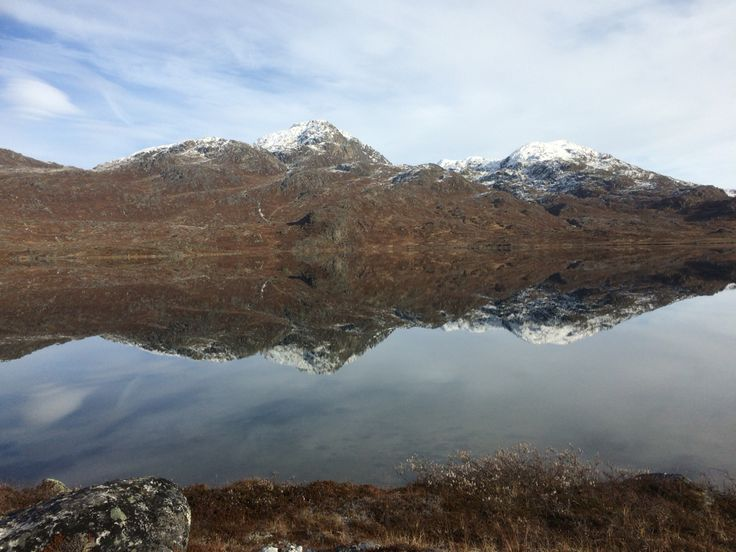 Autumn en Greenland - lakes are freezing