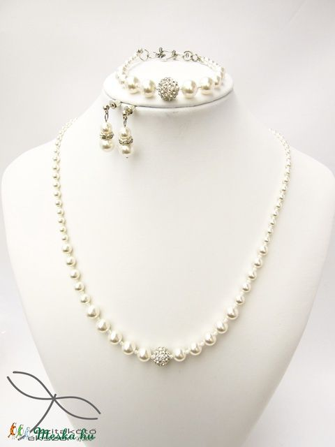Meska - Egyszerű gyöngysor Swarovski gyöngyből Edina09 kézművestől