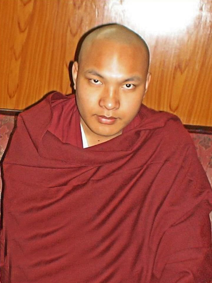 """Making healthy relationships possible ~ 17th Karmapa http://justdharma.com/s/wpmg0  It is clear that faults never lie exclusively on one side of a relationship. For this reason, if we are serious about forging relationships that work, we must also recognize our own faulty attitudes, and work on them. When we commit to identifying our own faults and transforming our own mind, then and only then are healthy relationships possible.  – 17th Karmapa  from the book """"The Heart Is Noble: Changing…"""