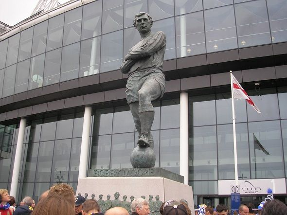 Bobby Moore - Attributes of a Leader #Football #DFK