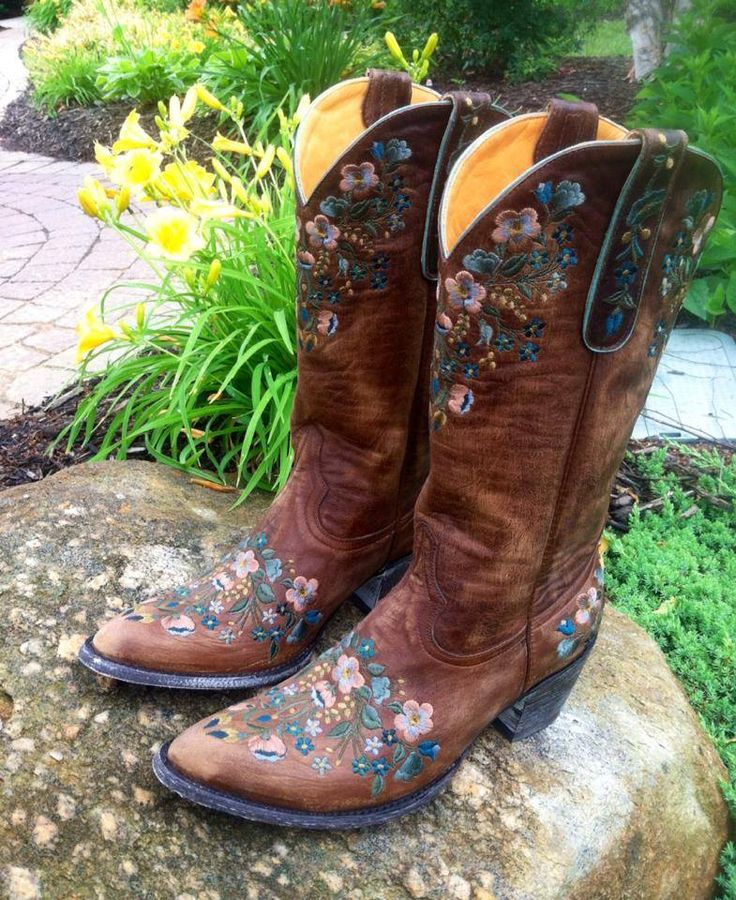 Old Gringo Sora Brass Teal Boots L841-4 at RiverTrail in North Carolina.