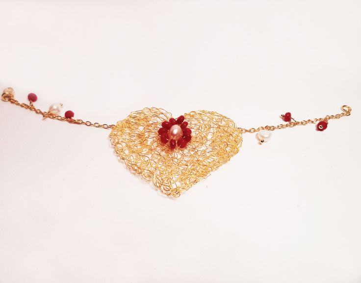Gold Heart bracelet fuchsia agate beads white fresh pearls crocheted wire gold plated