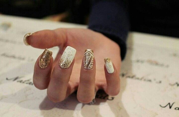 #white #gold #golden #nails