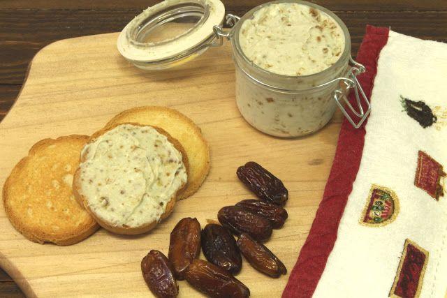 Paté de queso azul y dátiles con Thermomix | Saltando la Dieta - Blog de Cocina