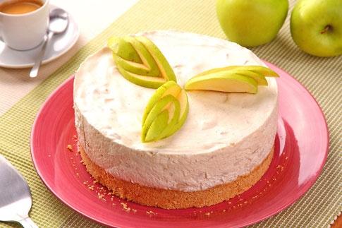 Tvarohový dort s jablky.