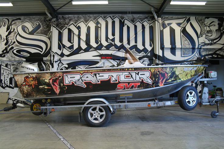 Raptor Fishboat Boatwrapping #signmania #fishboat #boatwrapping #boats #boatwrap #wrapping #boat #design - www.signmania.com