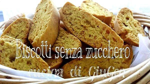 Biscotti senza zucchero con stevia.     Sugar-free biscotti with stevia