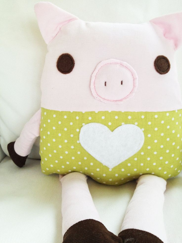 This would make a cute pillow for a little one's room .. (Toy Pig Sewing Pattern)
