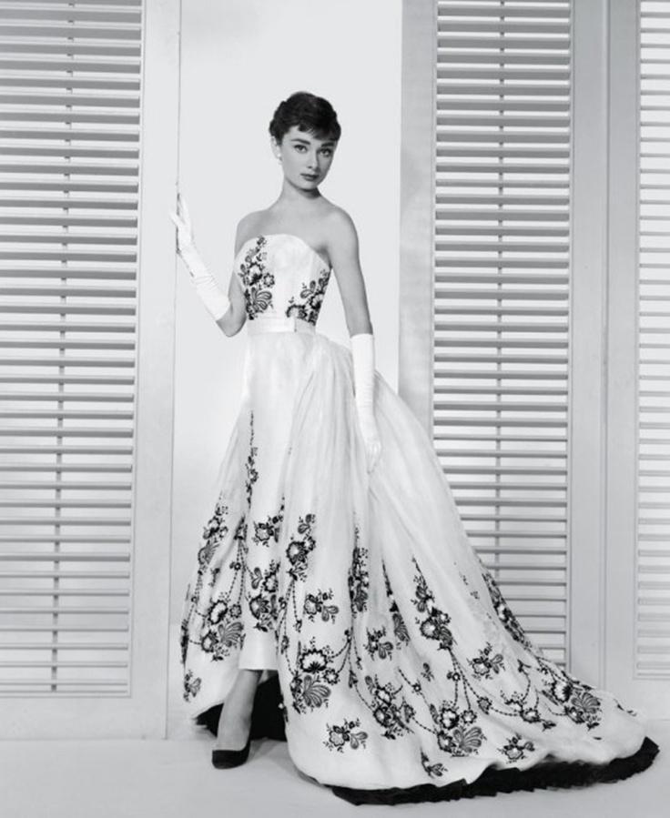 Großartig Brautkleid Verleih Las Vegas Ideen - Brautkleider Ideen ...