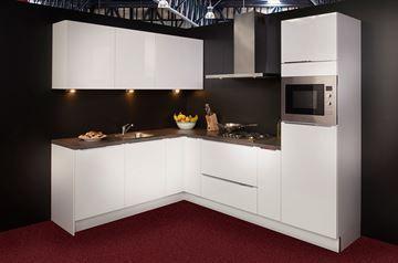 Keuken 138, Nolte Lux hoogglans lak, 213x270 cm. en supercompleet uit voorraad
