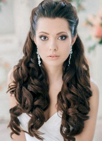 Peinados semirecogidos con rulos cabello largo for Imagenes semirecogidos