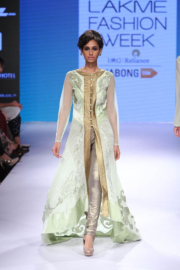 Narendra Kumar at Lakmé Fashion Week Winter/Festive 2015 | Vogue India | Cat:- Fashion Shows | Author : - Vogue.in | Type:- Article | Publish Date:- 08-31-2015