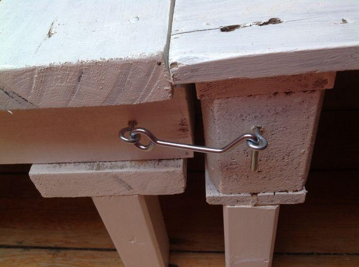 Diy tape 1 2 mon canap en palette palette canap s for Fabriquer canape palette