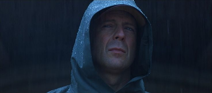 Unbreakable, 2000, superhero, thriller, M. Night Shyamalan, Bruce Willis, Samuel L. Jackson, Robin Wright, Laura Regan, Spencer Treat Clark, Charlayne Woodard, Eamonn Walker, Richard E. Council, Michael Kelly
