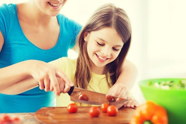 Tips to Get Picky Eaters to Try New Foods
