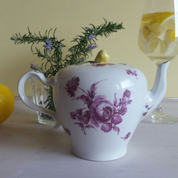 Yes! Just listed my latest finding: a small antique and gorgeous teapot made in Vienna! Love it!