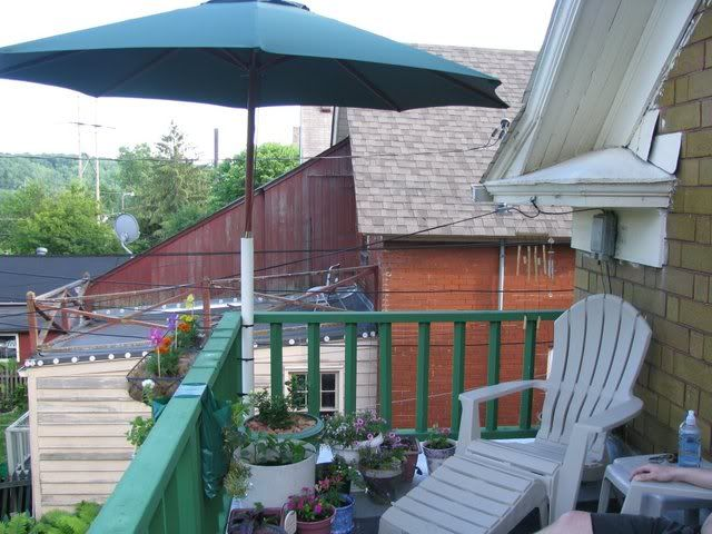 Use Pvc Pipe To Attach Umbrellas To Sunny Decks Great For
