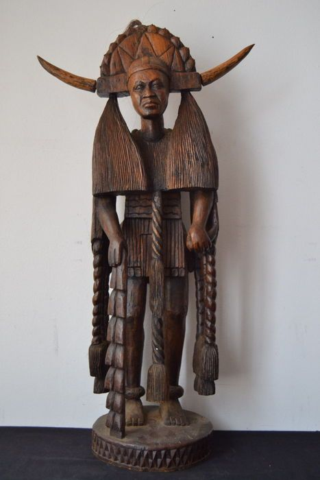 Catawiki online auction house: Large African Sculpture Carved Wood