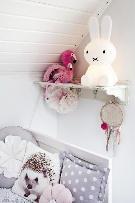 Pastelowy pokój dla dziewczynki: aranżacja w stylu shabby chic