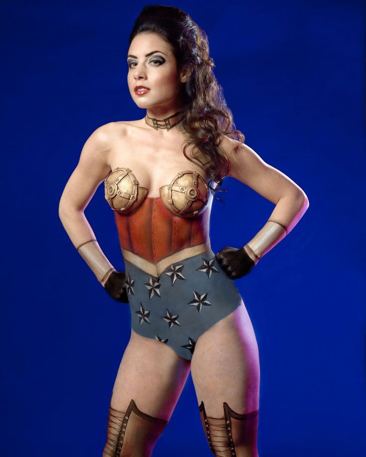 Wonder woman cosplay body paint