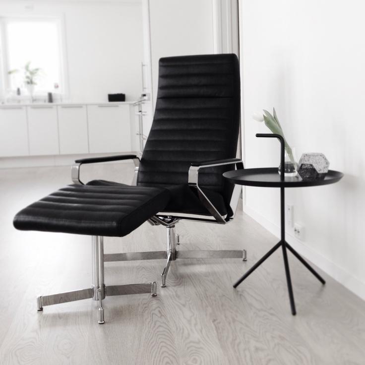 Livingroom - Vitesse chair, Bolia + DLM table, Hay