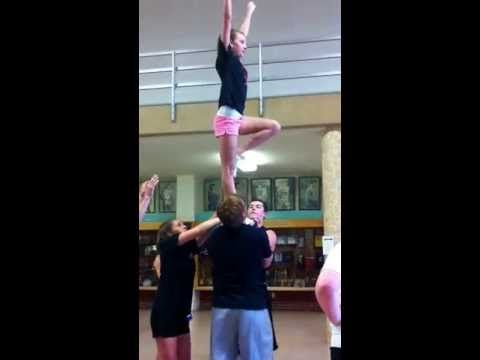 ▶ Awesome Cheer stunt- flat back! - YouTube