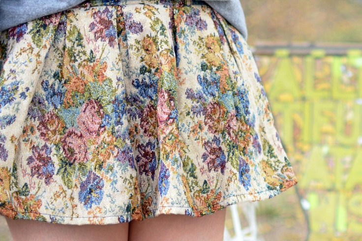 Romwe Floral Tapestry Skirt