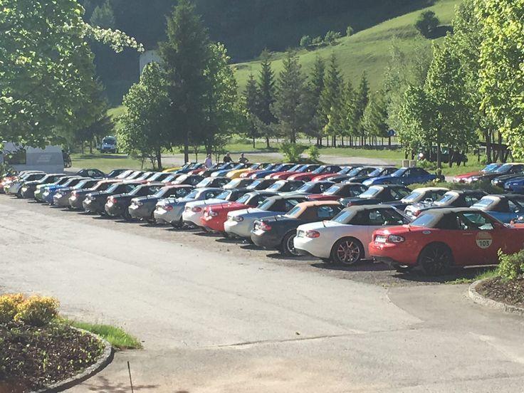 Das letzte Wochenende im Mai stand ganz im Zeichen des Mazda MX-5 Treffens in Sillian (Osttirol) –die sogenannten Tirol Days. Wir waren natürlich live dabei und haben interessante und typische Teilnehmer und Teilnehmerinnen entdeckt.   #Cabrio #Cabrio-Treffen #Dampfplauderer #Erfolg #Genießer #Mazda MX-5 #Mazda MX-5 Treffen #Osttirol #Persönlichkeiten #Putzteufel #Sillian #Südtirol #Tirol #Tirol Days #Tuner #Typ #Typen #Vorgreifer