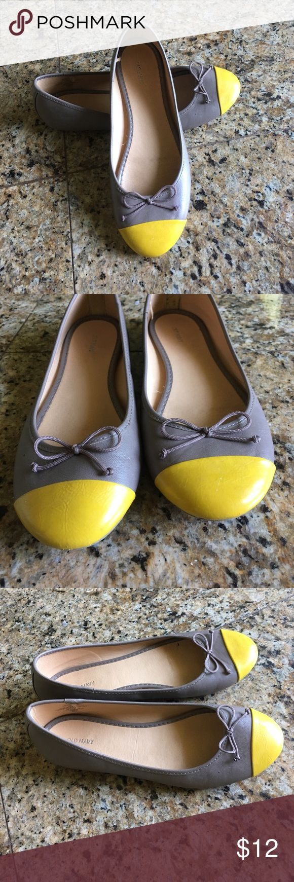 Old Navy ballet flats Old Navy ballet flats. Grey with yellow toe. Grey bow. Very cute and comfortable. Barely worn. Small scuff on right, barely shows. ❤️ Old Navy Shoes Flats & Loafers