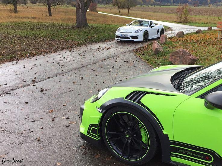 Jesień nie musi być szara   Klasyczny roadster czy szalone coupe?  Porsche 718 Boxster z kompletnym zestawem modyfikacji TechArt oraz flagowy GTstreet R na bazie Porsche 911 Turbo S umilają czas w każdą pogodę ☔  ✔ Oficjalny Dealer TECHART w Polsce GranSport - Luxury Tuning & Concierge http://gransport.pl/index.php/techart.html