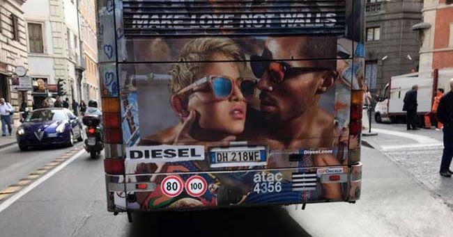 Pubblicità Diesel. Un ragazzo bacia una ragazza, ma per l'integralismo sono due gay «perversi» che «istigano alla pedofilia»