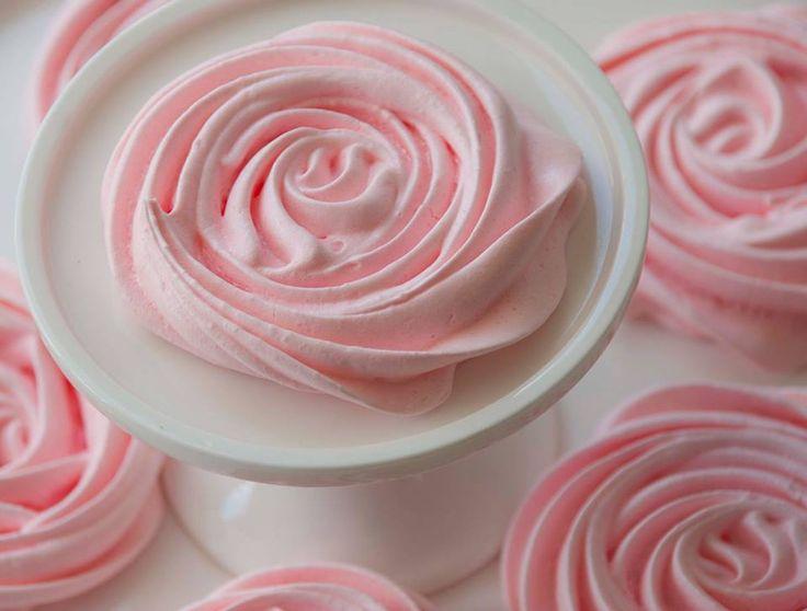 Pink meringue roses by La Petite Table Miami