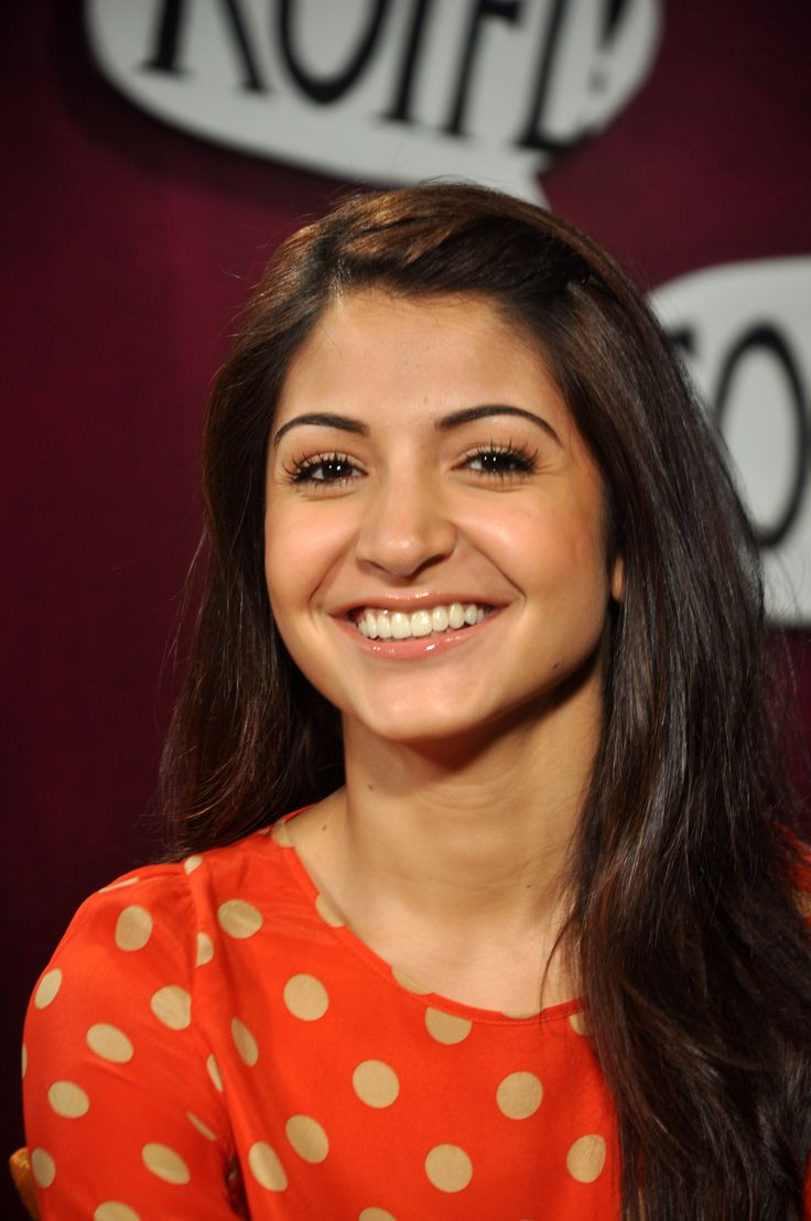 Anushka Sharma's and her beautiful smile.    #anushkasharma #zoomtv #bollywood