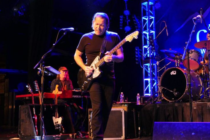 concert review, tommy castro and the painkillers, rock and blues muse