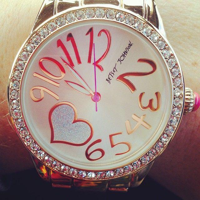 Great Style for a Fun Range of Betsey Johnson WatchesGiovannís Vega