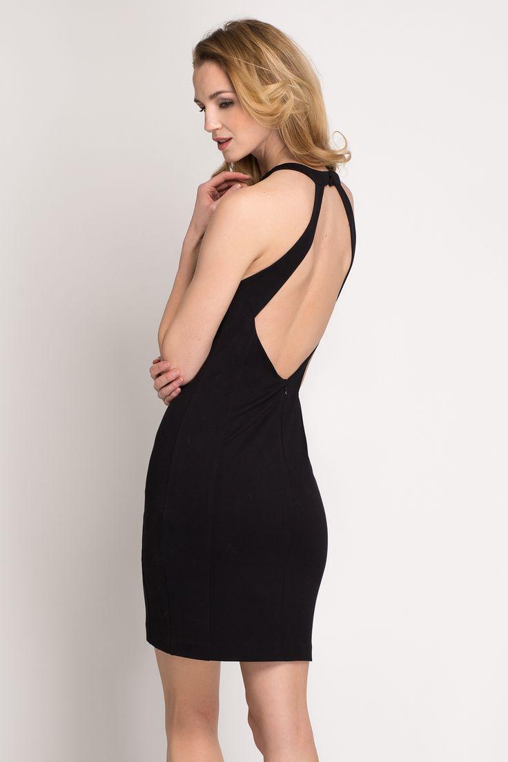 Czarna sukienka bez pleców