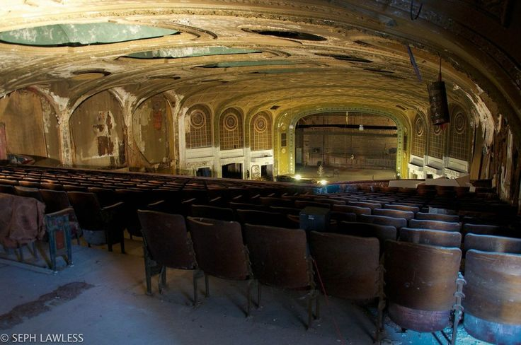 Image Source: http://mashable.com/2015/04/01/abandoned-theater/