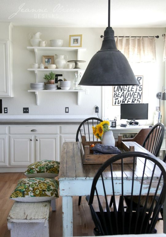 Love the distressed dining table bench