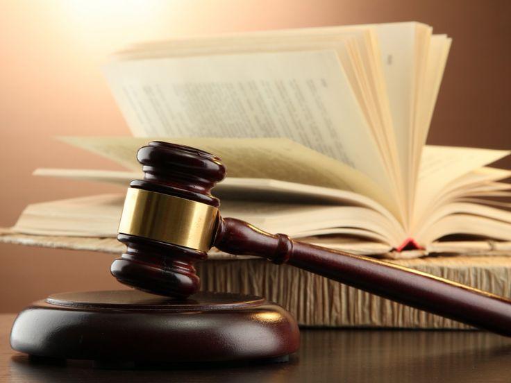 Tersangkut Fitnah, Dekan Fekon UR akan Disidang