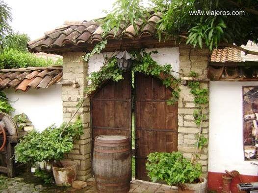 Casa de hacienda en colombia una de las entradas al for Entradas de casas rusticas