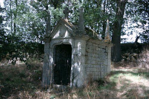 Avensac - Fontaine Saint-Jean. Maubec