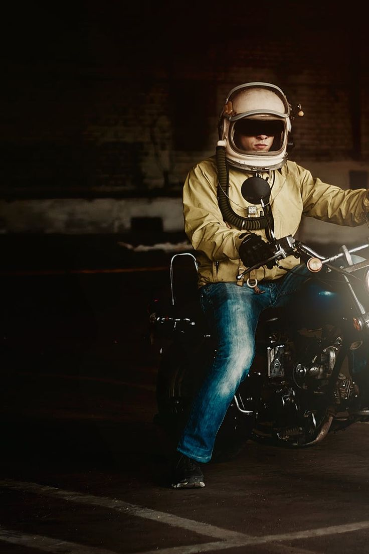 Free download of this photo: https://www.pexels.com/photo/man-wearing-white-full-face-helmet-riding-on-standard-motorcycle-207115/ #light #road #man