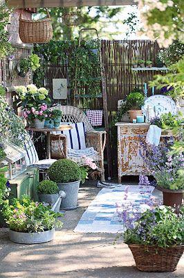 : Idea, Shabby Chic Gardens, Outdoor Rooms, Plants, Gardens Spaces, Patio, Small Gardens, Backyard, Outdoor Spaces