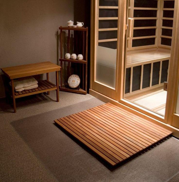 sauna à la maison avec banc salle de bain en teck avec rangement et caillebotis assorti